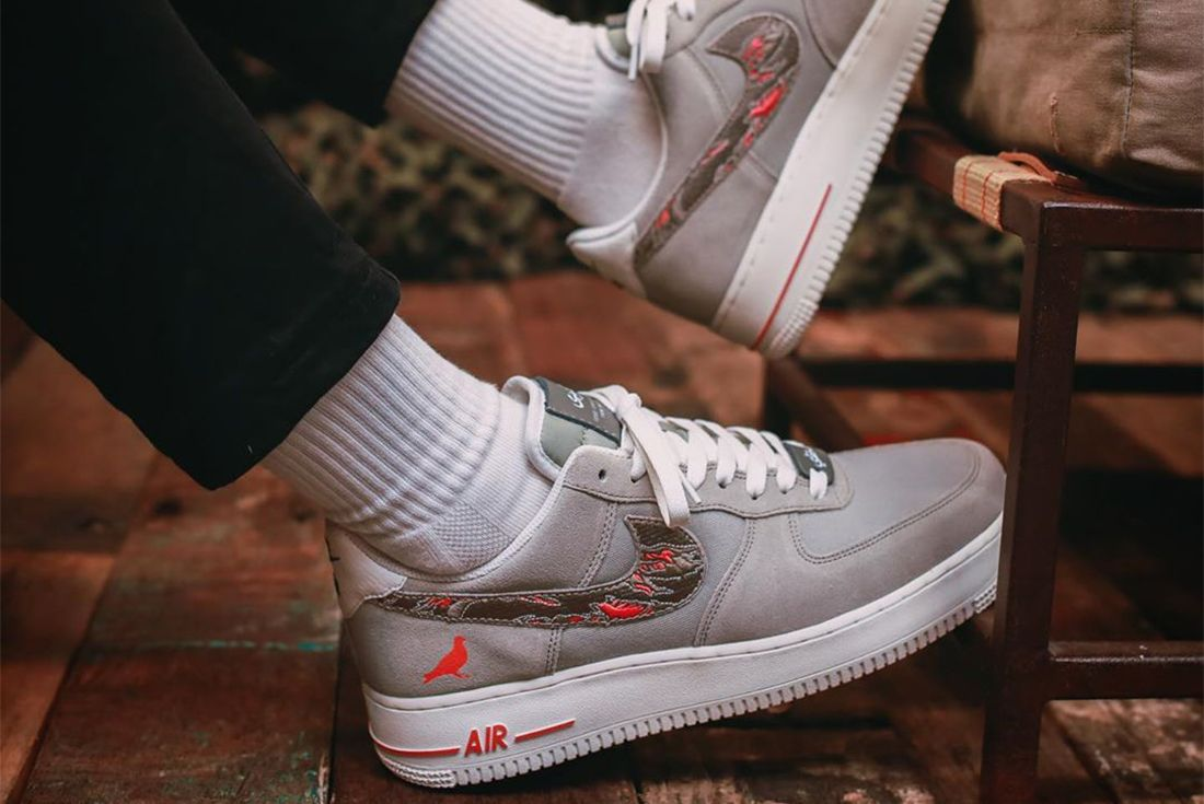 Jeff Staples Sbtg Nike Air Force 1 Pigeon Fury Right 2
