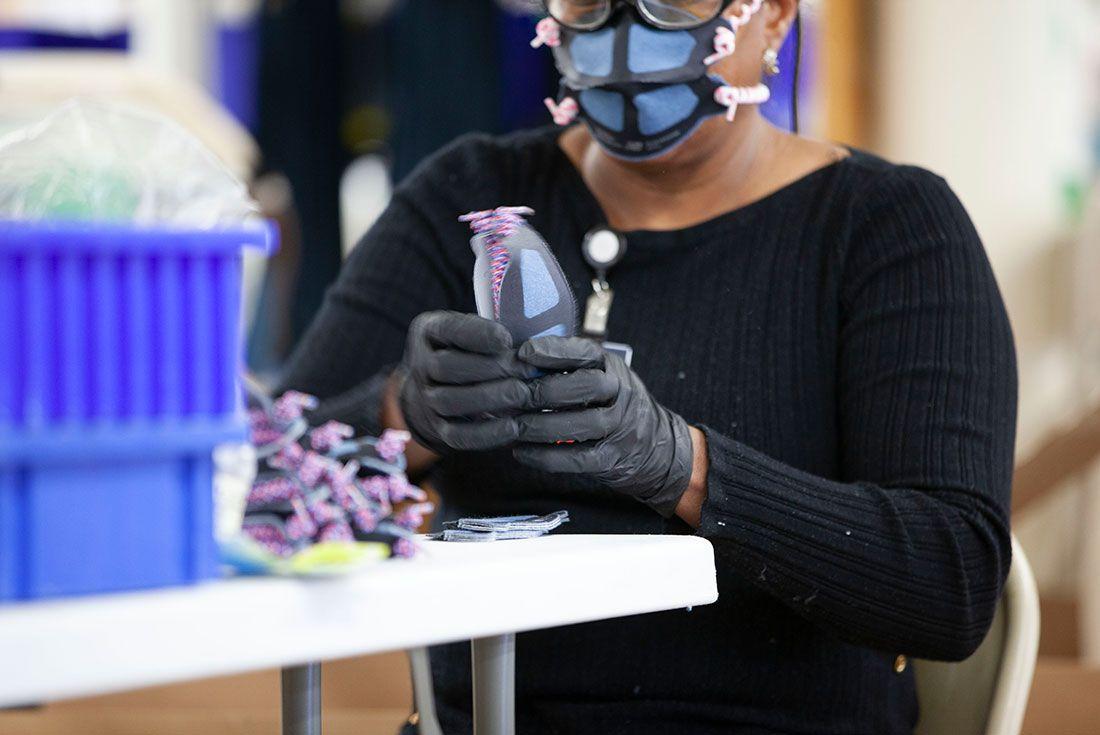 New Balanace Face Mask 2020 Production Line