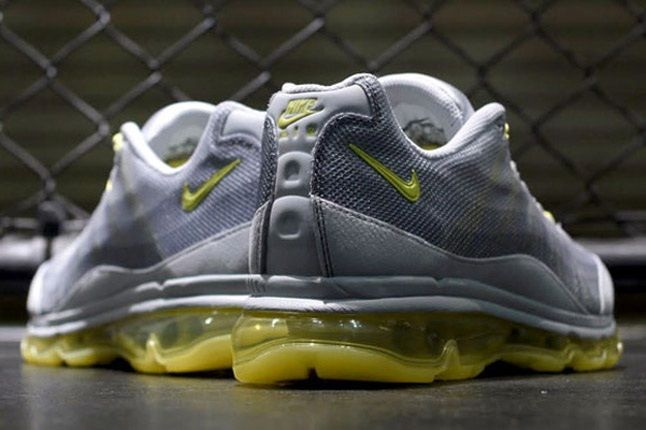 Nike Wmns Air Max 95 Dynamic Flywire Yellow Grey Reverse 1