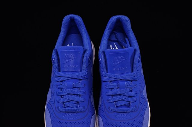 Nike Wmns Air Max 1 Ultra Moire Royal Blue 2