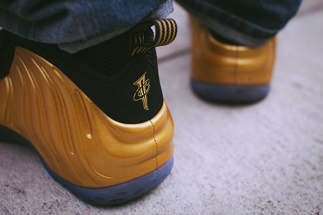 Nike Foamposite Metallic Gold 2