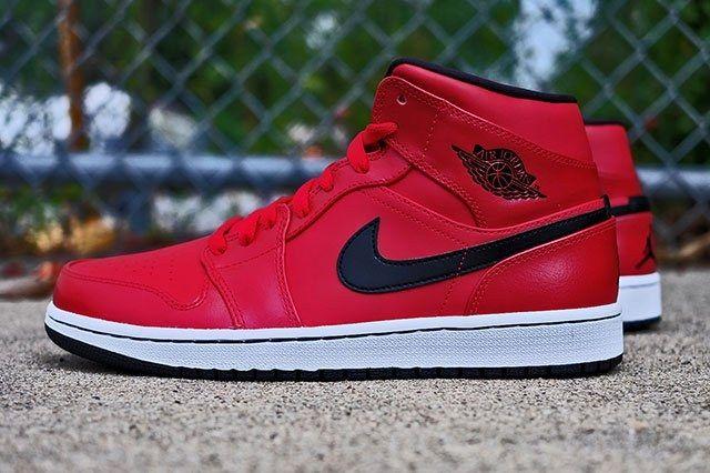 Air Jordan 1 Gym Red 3
