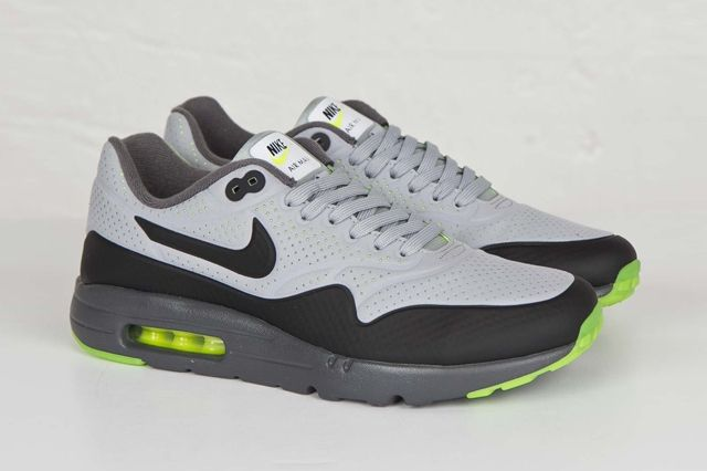 Nike Am1 Ultra Moire Wolf Grey Volt 1