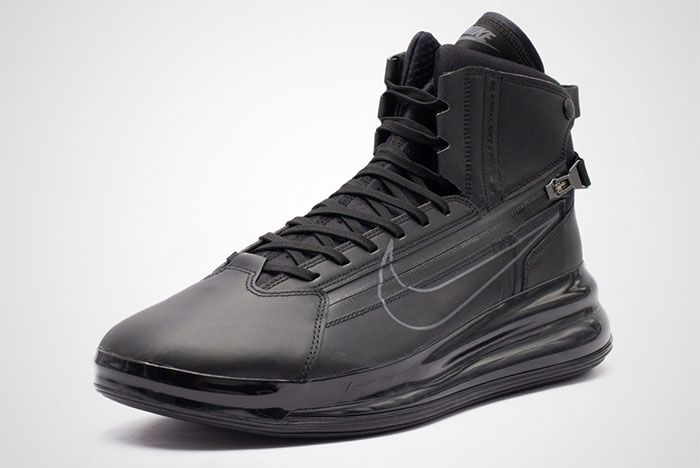 Nike Air Max 720 Saturn Black Front Angle Shot 4