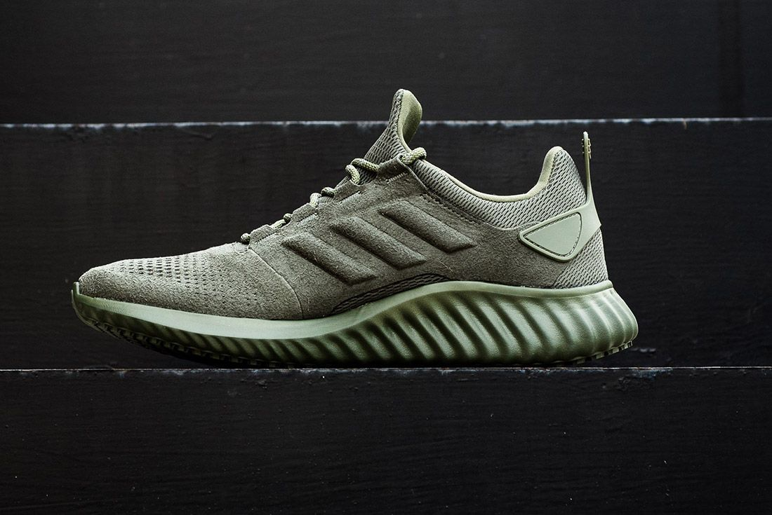 Adidas Alphabounce Suede 9