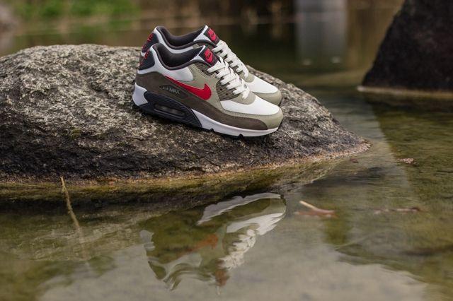 Nike Air Max 9 Essential Beige Chalk Uni Red 3