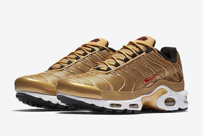 903827 700 E Prem Sneaker Freaker
