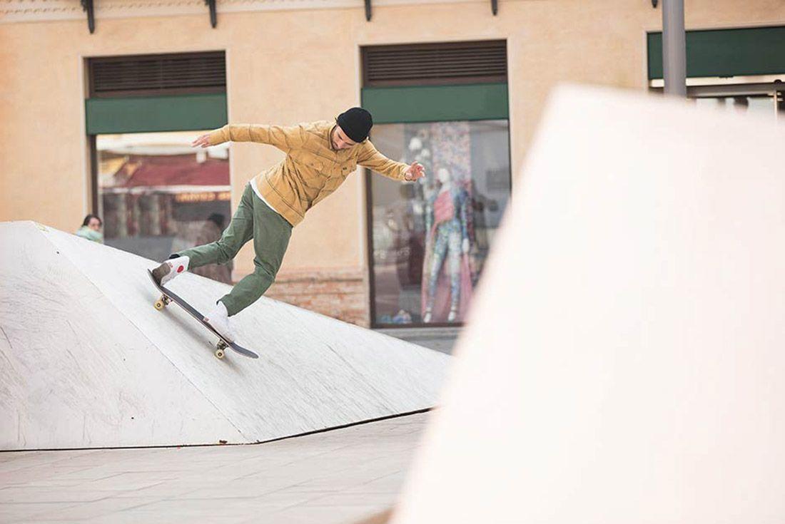 Chocolate Skateboards Converse Cons 2