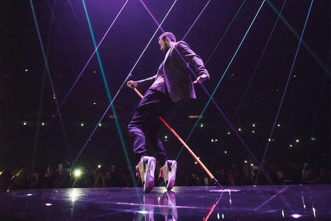 Justin Timerlake Air Jordan 3 Tinkers Onstage