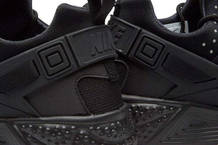 Nike Air Huarache Utility Black 1