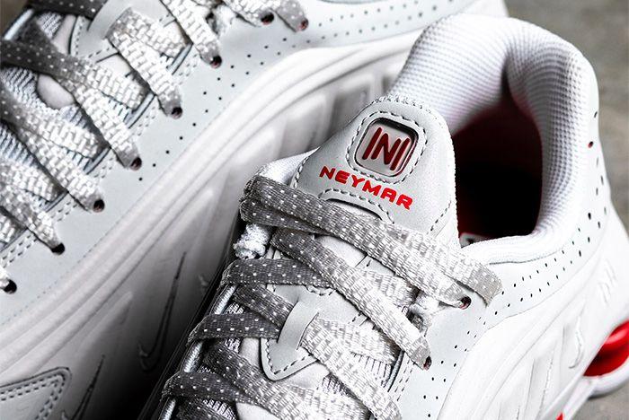 Nike Shox R4 Neymar Platinum Tint Tongue