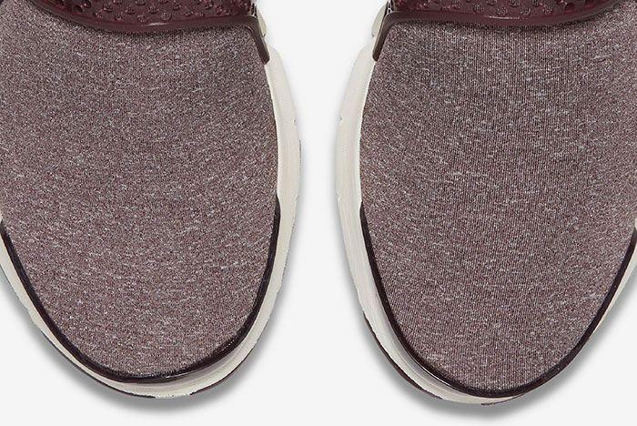 Nike Sock Dart Wmns Midnight Maroon 8