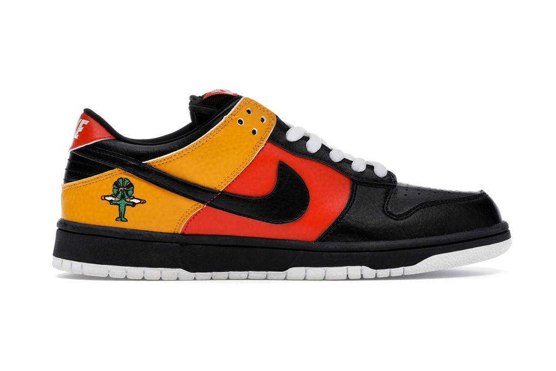 Nike Sb Dunk Low Rayguns 304292 803 Lateral