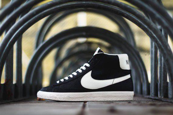 Nike Blazer Mid Premium Vintage Black White 2