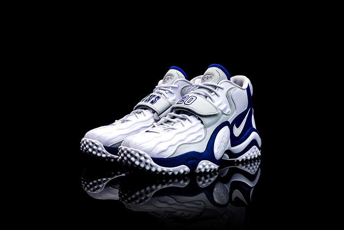 Barry Sanders Nike Air Zoom Turf Jet 97 Front Angle