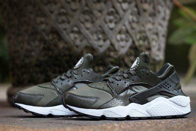 Nike Huarache Wmns Cargo Khaki 1