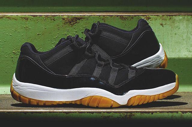 Air Jordan 11 Low Black Gum1