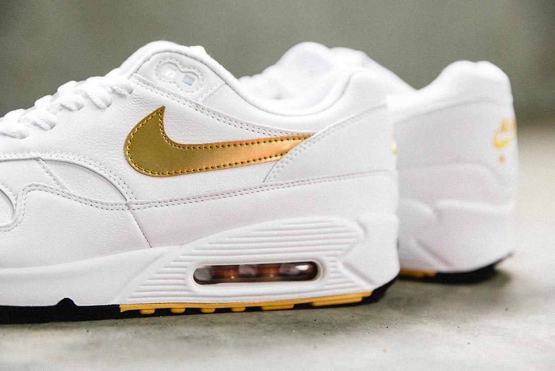 Nike Air Max 90 Gold 2