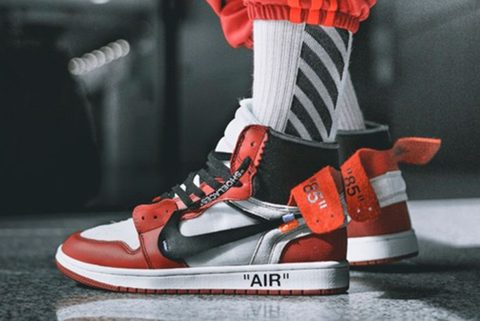 Off White X Air Jordan 1 On Feet5