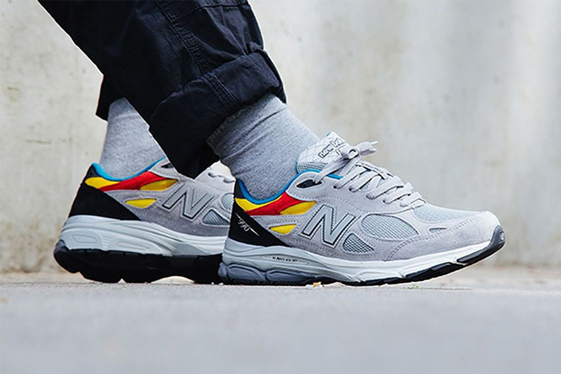 Aries New Balance 990V3 Lateral