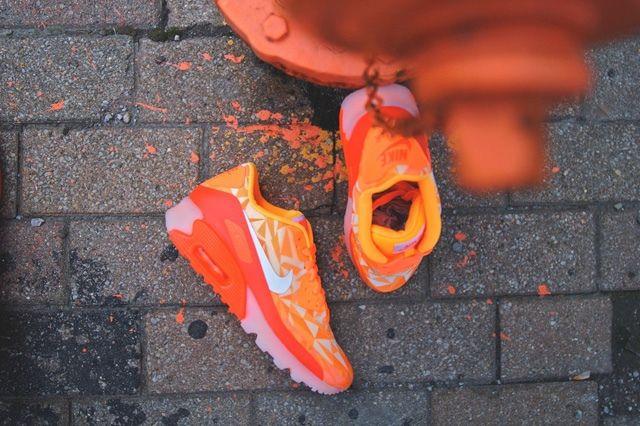 Nike Air Max 90 Ice Atomic Mango 4