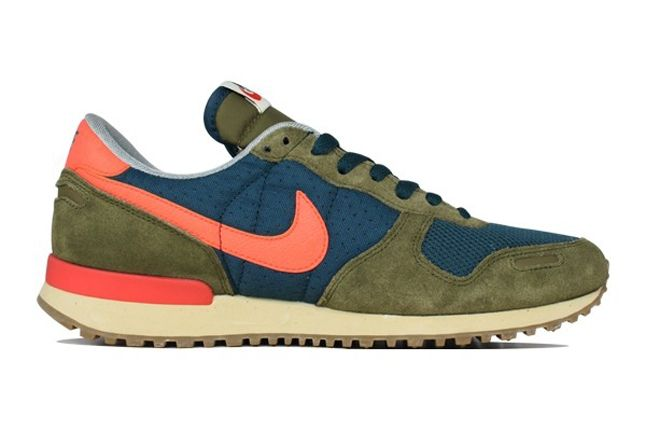 Nike Air Vortex Squadron Green Crimson Profile 1