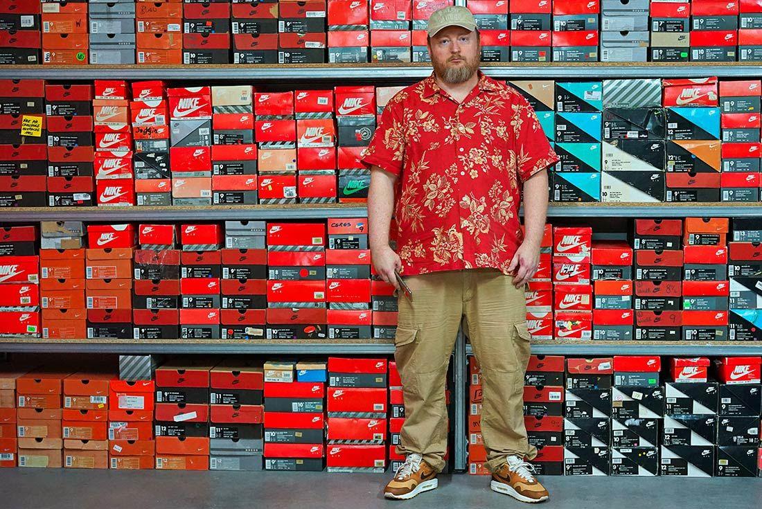 Sneaker Freaker Nike Air Max Collector Iceberg