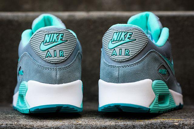 Nike Womens Air Max 90 Silver Hyper Turquoise 4