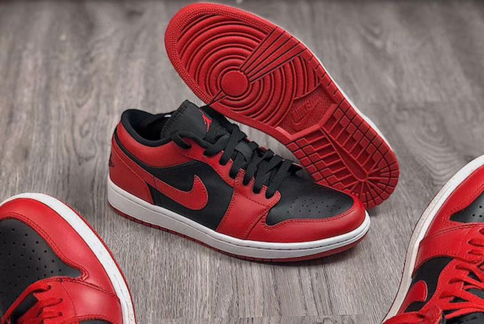 Air Jordan 1 Low Varsity Red Up Close Shot 3