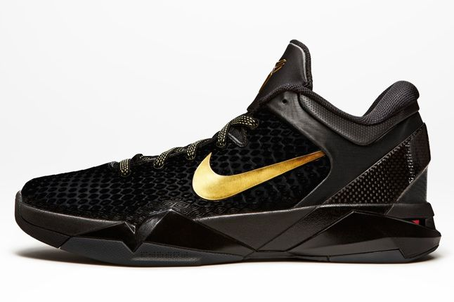 Kobe 7 Elite Black 01 1