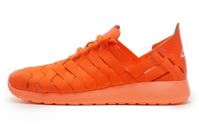 Nike Roshe Run Woven Total Crimson Side 1