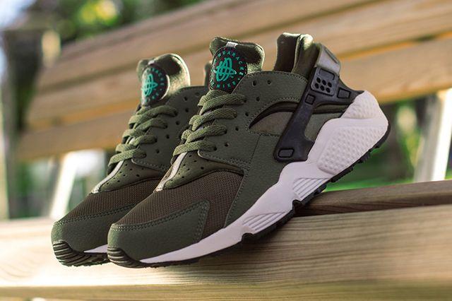 Nike Air Huarache Iron Green 3