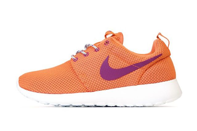Wmns Rosherun Orng Sideview2
