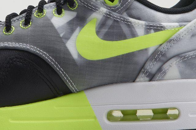 Nike Sportswear Polarizing Artist Colab Pack