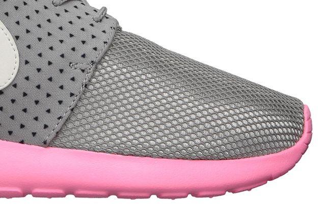Nike Wmns Roshe Run Pink Mesh Detail 1