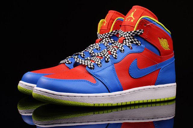 Nike Aj1 Chilling Redcyber Photo Blue 2