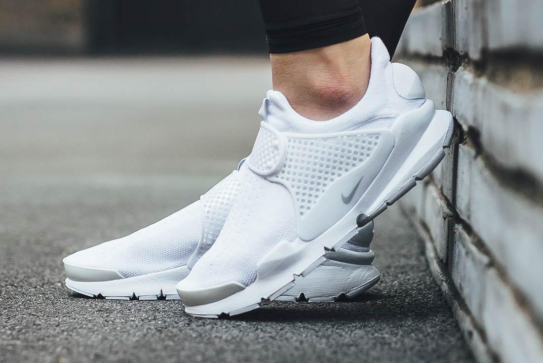 Nike Sock Dart Triple White 3