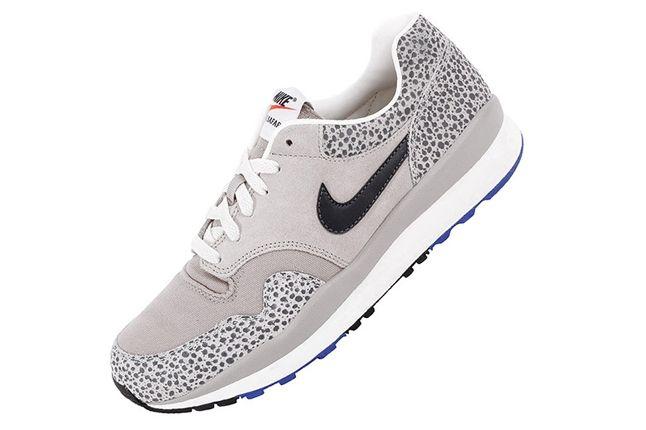 Nike Air Safari Vntg Stone Angled 1