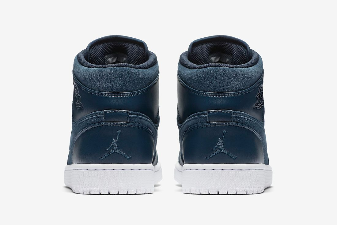 Air Jordan 1 Mid Armory Navy3