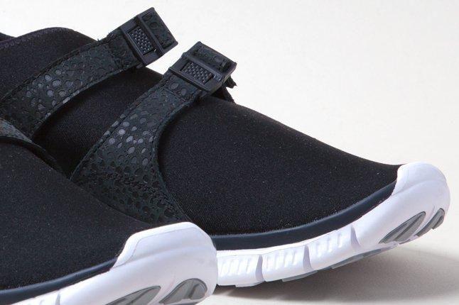 Nike Free Sockracer Blk Toe 1