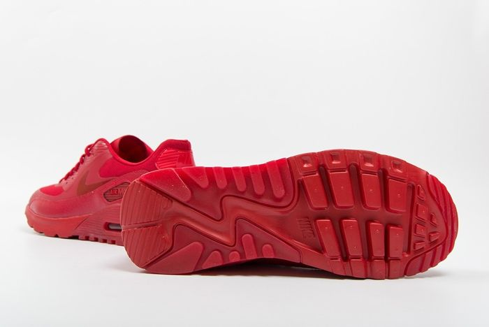 Nike Am90 Ultra Gym Red Uni Red Foot District Bump 1