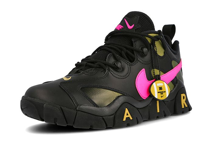Nike Air Barrage Low Superbowl Black Pink Front