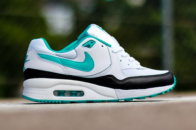 Nike Wmns Air Max Light Dusty Cactus 3
