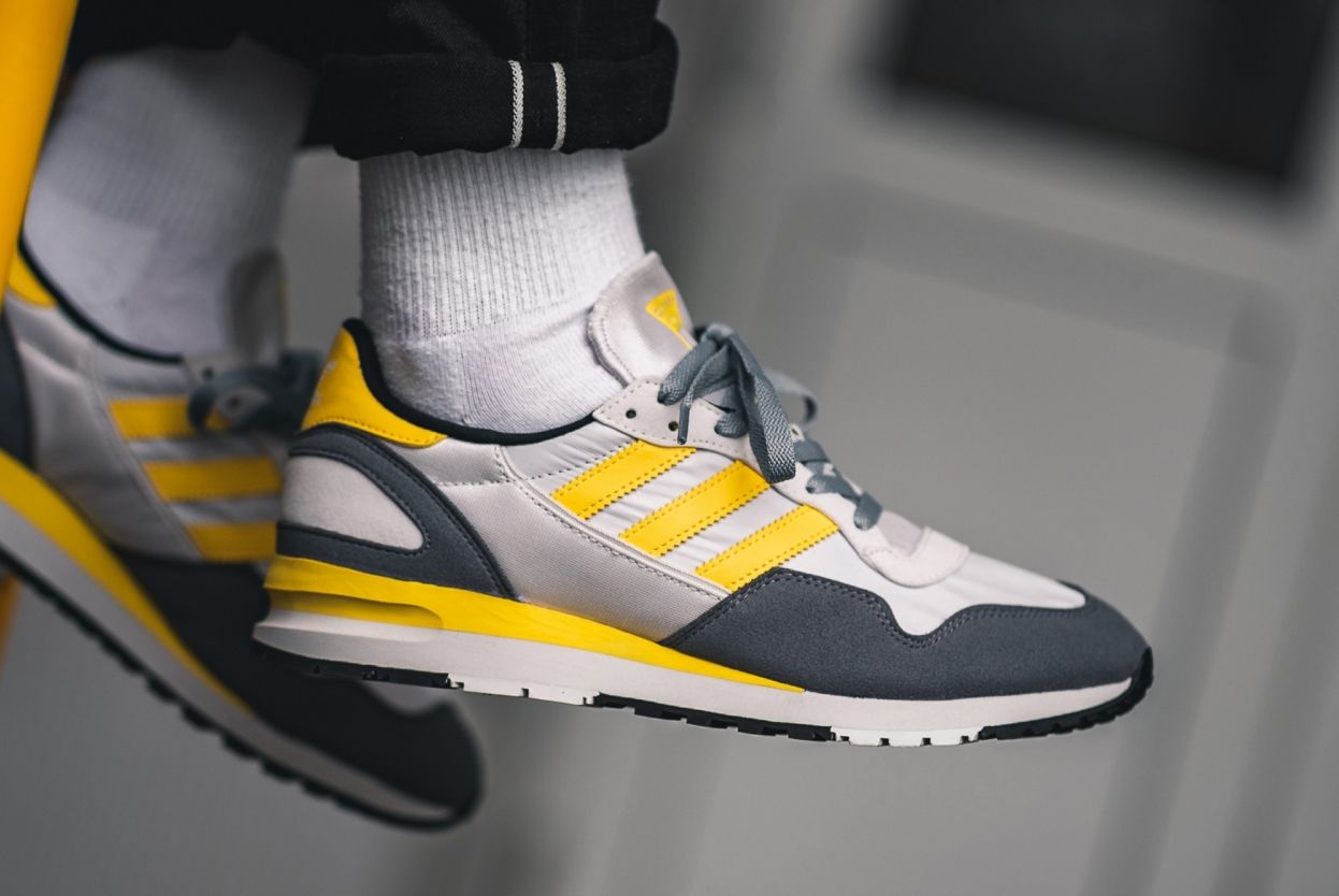 adidas Lowertree (Grey/Yellow)