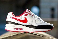 Nike Wmns Air Max Light White Chilling Red Thumb Bump 1