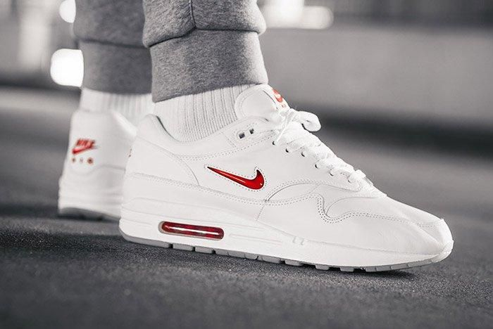air max 1 jewel red ruby