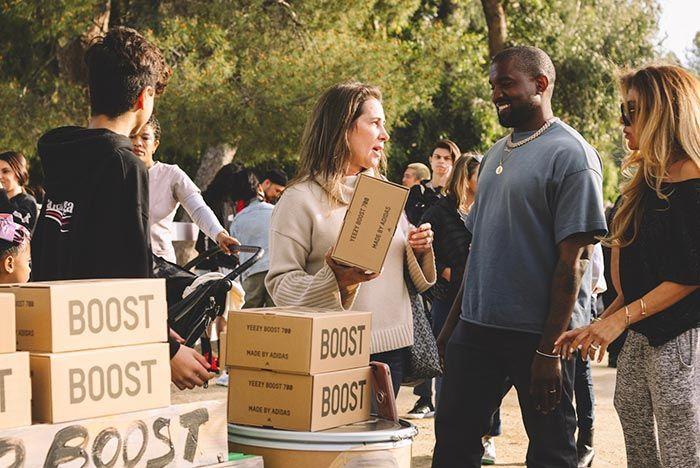 Kanye West Yeezy Lemonade Stand Yeezy Box