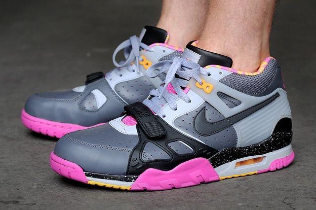 Nike Air Trainer Iii Premium Qs Dark Grey Black Wolf Grey Club Pink Bump Thumb