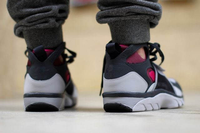 Nike Air Trainer Huarache Fireberry 2