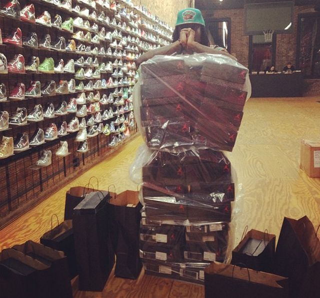 Wale Buys Out Flight Club